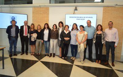 COAC Alcoy colabora con l Campus de Alcoy creando una beca de 1.000 euros para alumnos de ADE